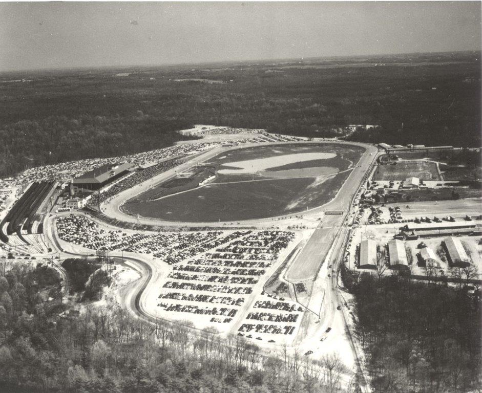 671 BW - Aerial View of Bowie Race Track c.1950.jpg
